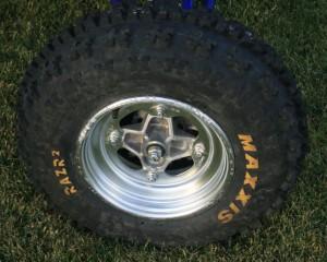 maxxis-razr-2-front